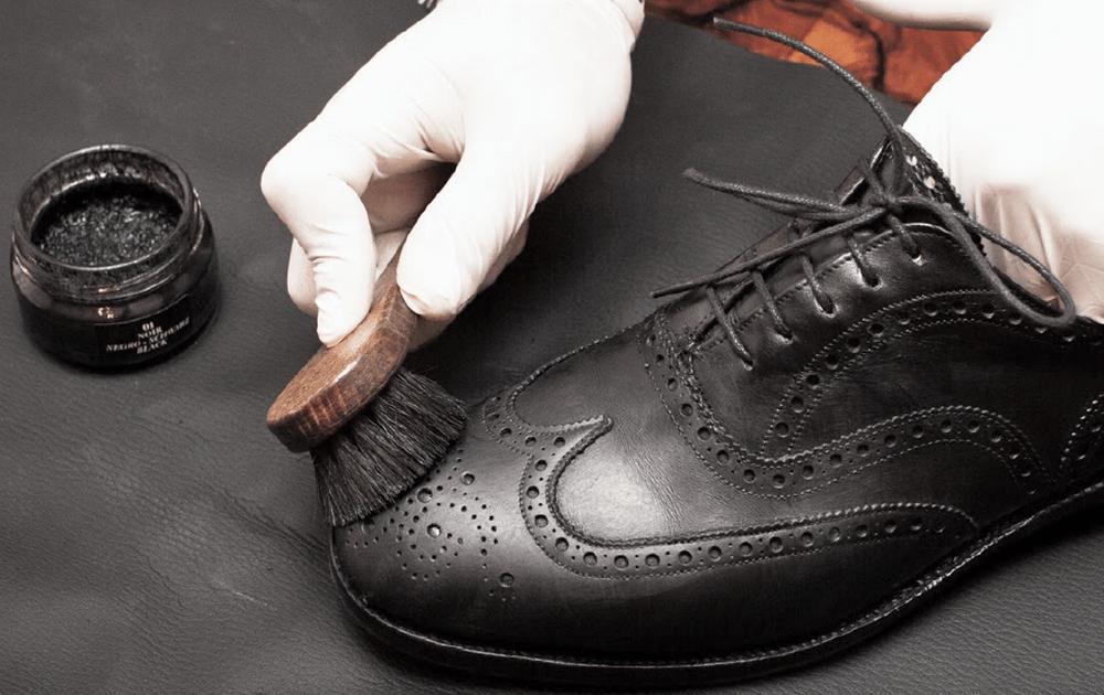 Химчистка и реставрация кожаной обуви